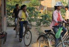 Studenti odjíždějí odpoledne domů
