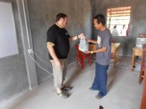Předání sbírky per z Hradce - únor 2012